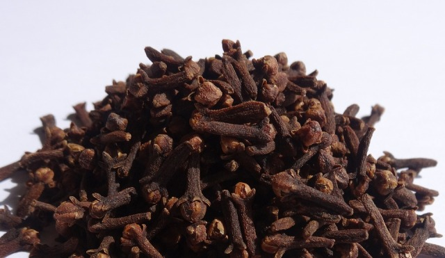 health benefits of laung cloves